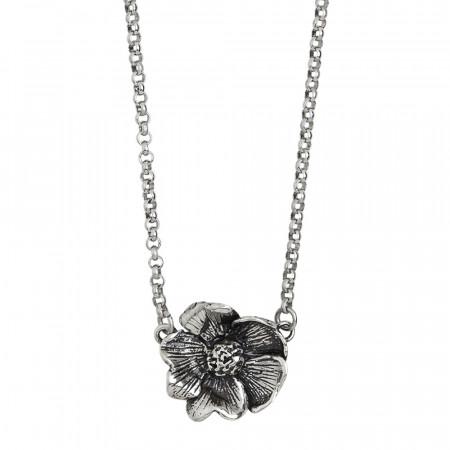 Collana in argento brunito con fiore di ciliegio brunito