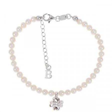 Bracciale con filo di perle naturali, quadrifoglio centrale e diamante