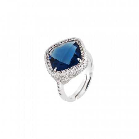Anello con cristallo briolette blue montana e pavè di zirconi