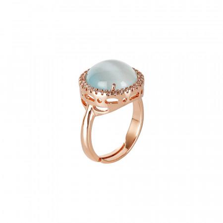 Anello con cristallo cabochon celeste gatteggiante e zirconi