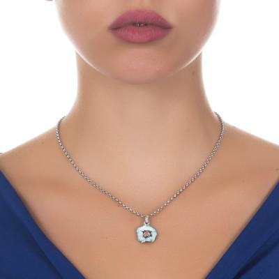 Collana in argento brunito con fiore di ciliegio pendente dipinto a mano