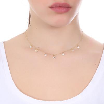 Collana placcata oro giallo con cuori di zirconi e freshwater pearls