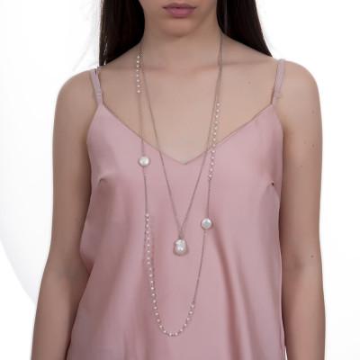 Collana rodiata due fili con perle naturali tonde e barocche.