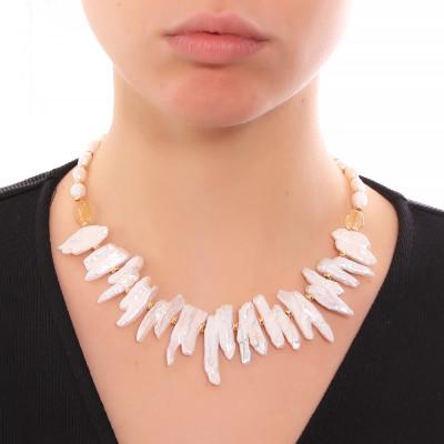Collana con perle barocche unite, perle scaramazze e quarzo citrino