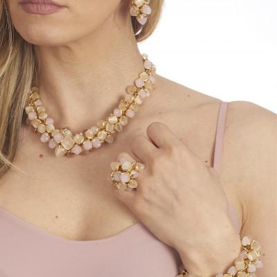 Anello con ciuffo di cristalli color pietra di luna e quarzo rosa