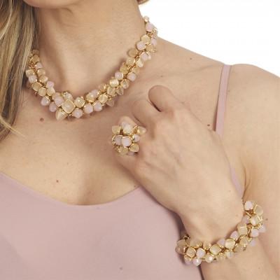 Bracciale con decoro di cristalli dai colori pietra di luna e quarzo rosa