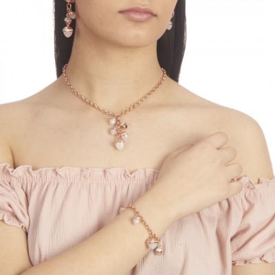 Collana con ciuffo di cristalli piramidali color madreperla e zirconi