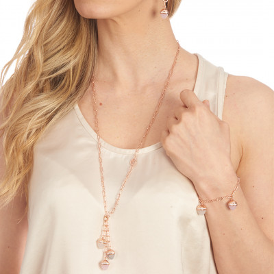 Collana con pendente di cristalli piramidali color quarzo rosa, pietra di luna e agata grigia gatteggiante