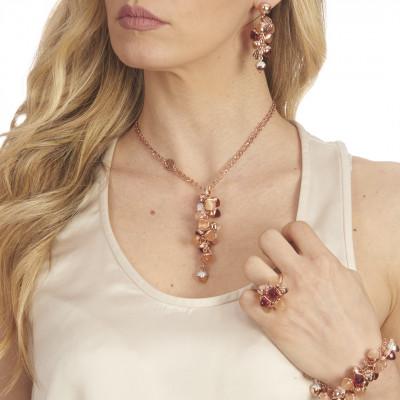 Collana con grappolo di cristalli piramidali color rubino e corniola