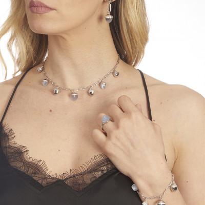 Collana con cristalli grandi piramidali color agata grigia gatteggiante
