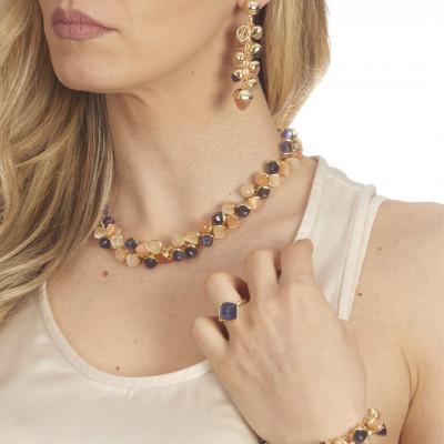 Collana con decoro di cristalli piramidali color corniola, tanzanite e pietra di luna