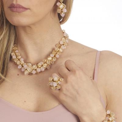 Collana avvolta da cristalli piramidali color pietra di luna e quarzo rosa