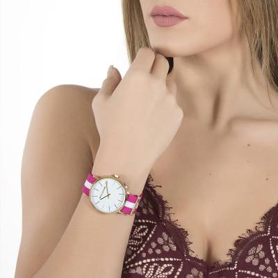 Orologio da donna con quadrante bianco, cassa dorata, charm laterale e cinturino in nylon