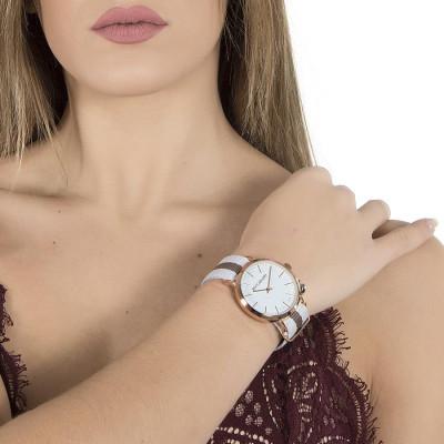 Orologio da donna con quadrante bianco, cassa rosata, charm laterale e cinturino in nylon