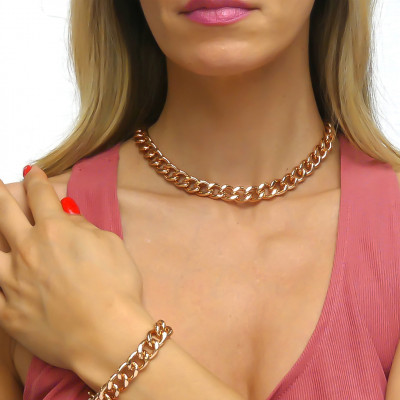 Collana grumetta piccola rosa in finitura battuta