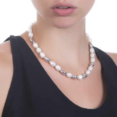 Collana con perle naturali ed intercalari in argento