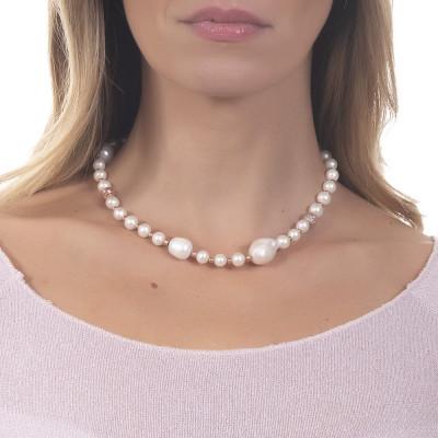 Collana con perle naturali e sfere dall'effetto diamantato