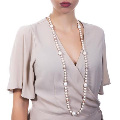 Collana lunga placcata oro rosa con perle naturali e sfere dall'effetto diamantato