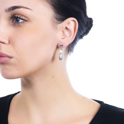 Orecchini rodiati con perla naturale