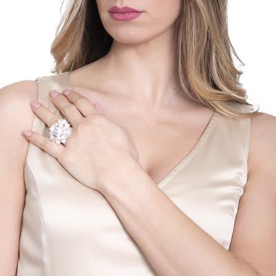 Anello con perle e cristalli Swarovski bianchi