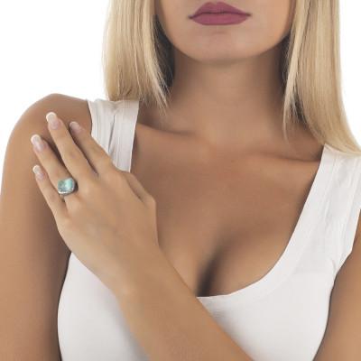 Anello con cristallo briolette green mint e pavè di zirconi