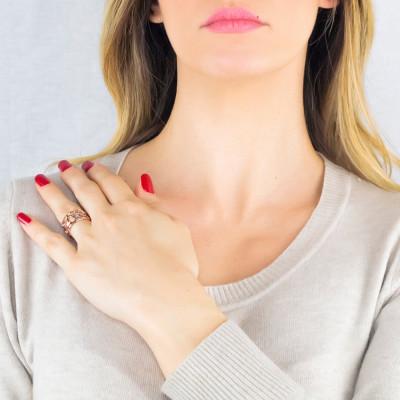 Anello rosato a fascia con trama a rete e Swarovski