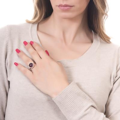 Anello con cristallo cabochon ametista gatteggiante e zirconi