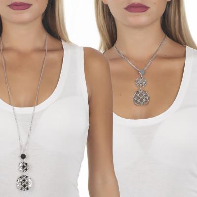 Collana bicolor con doppio pendente dal decoro in basso rilievo e cristalli Swarovski