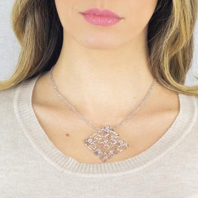 Collana lunga rosata con pendente dalla trama a rete e Swarovski