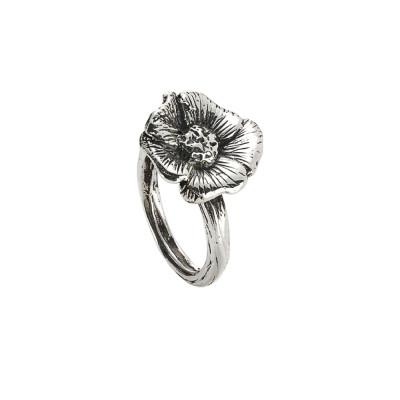 Anello in argento brunito con fiore di ciliegio