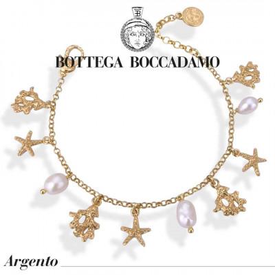 Bracciale placcato oro giallo con perle naturali e charms