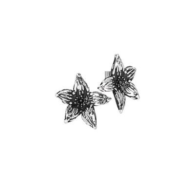 Orecchini a lobo con fiore di lilium in argento brunito