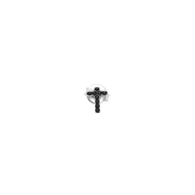 Orecchino a lobo con croce latina di zirconi neri