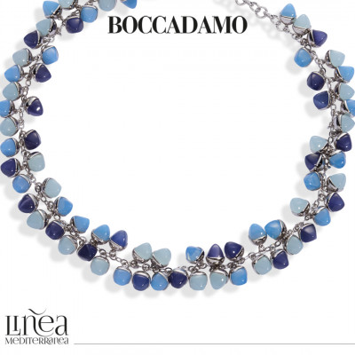 Collana con decoro di cristalli piramidali color acqua milk, tanzanite e agata blu