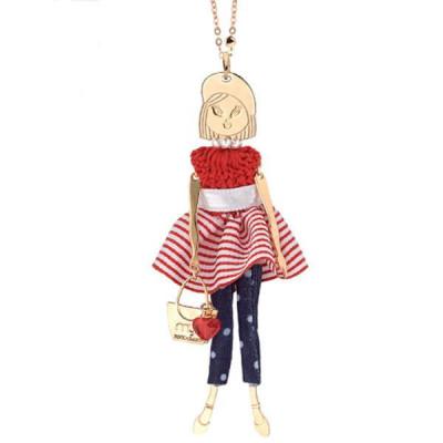 Collana con bambolina, perle e cristalli Swarovski bianchi