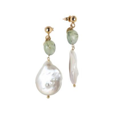 Orecchini pendenti con perla scaramazza e granato verde rutilato