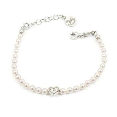 Bracciale in argento con perle bianche e cuore centrale