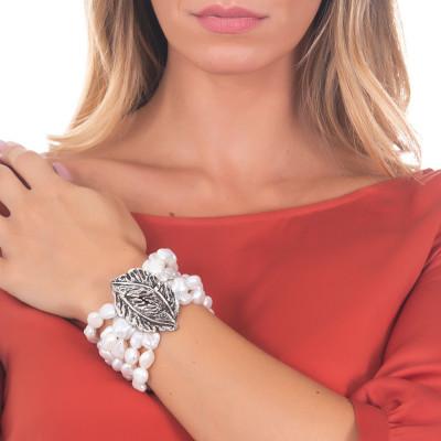 Bracciale piccolo multifilo con perle barocche naturali e foglia piuma in argento brunito