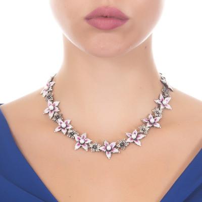 Collana in argento brunito con fiori di lilium dipinti e perle naturali