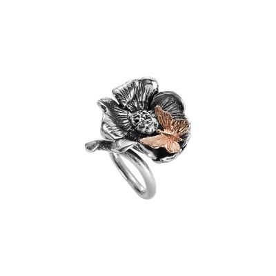 Anello contrariè in argento brunito con fiore di ciliegio e farfalla rosata