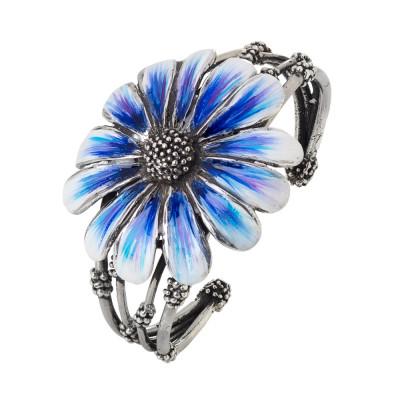 Bracciale rigido a fascia in argento brunito con margherita dipinta di blu