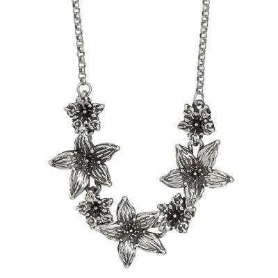 Collana in argento brunito con centrale di fiori di lilium