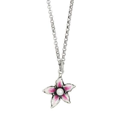 Collana in argento brunito con fiore di lilium pendente dipinto a mano e perla naturale