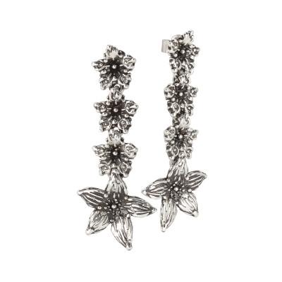 Orecchini in argento brunito con fiori di lilium pendenti