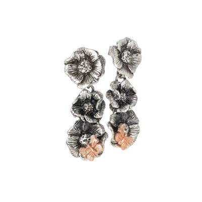 Orecchini con fiori di ciliegio pendenti in argento brunito e farfalla placcata oro rosa