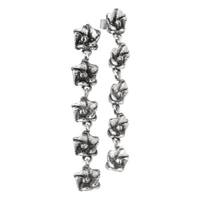 Orecchini con cinque fiori di ciliegio in argento brunito