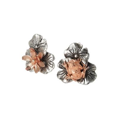 Orecchini con foglie di ninfea brunite, fiore di ninfea e ranocchio rosati