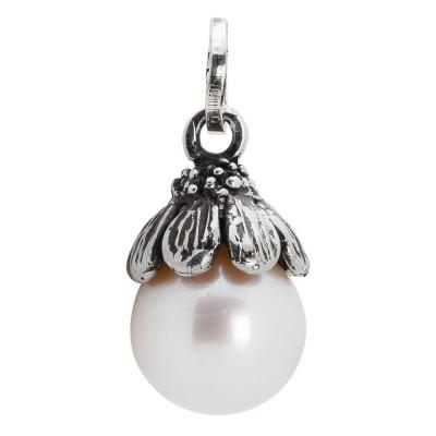Charm con perla naturale e coppetta margherita