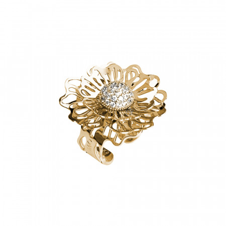 Golden ring with three-dimensional wild rose and zircons