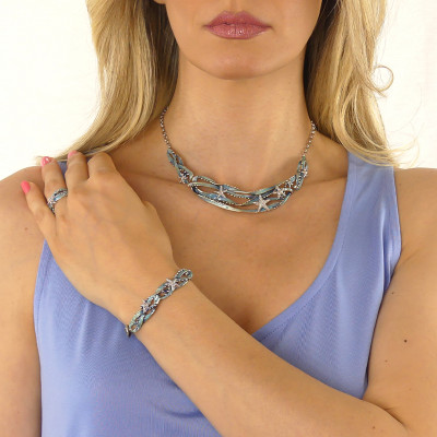 Semi-rigid necklace with enameled decoration in shades of light blue